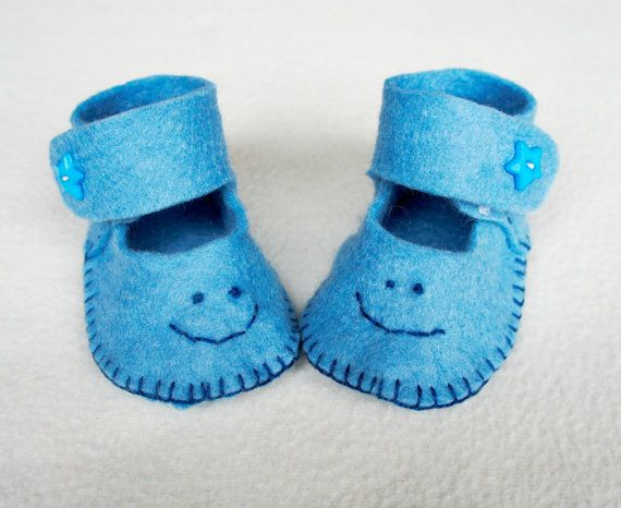 Baby shoes felt newborn Felt Baby slippers by PrettyFeltThings
