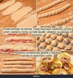 Przekąski na imprezę - Proste przekąski na imprezę. Ciasto francuskie wypełniamy szynką i serem, zawijamy, kroimy na małe kawałki, układamy ...