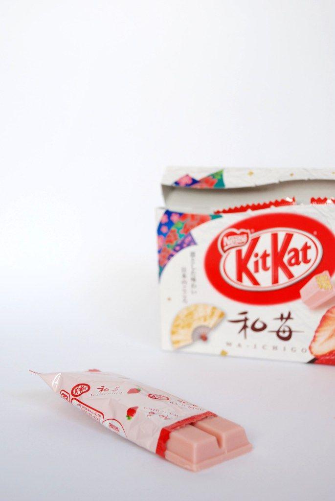 Om nom nomad japanese kit kat 30 pinterest om nom nomad wa ichigo japanese strawberry kit kat voltagebd Gallery