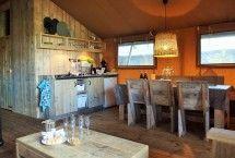 Vakantie in Noord Holland. Met de prachtige duinen en natuur een mooie plek voor je vakantie! Helemaal als je in Egmond in één van de luxe Sea Lodges overnacht. Knus ingericht. #vakantie #nederland #aanzee #egmond Gespot op: http://www.zook.nl/kamperen/nederland