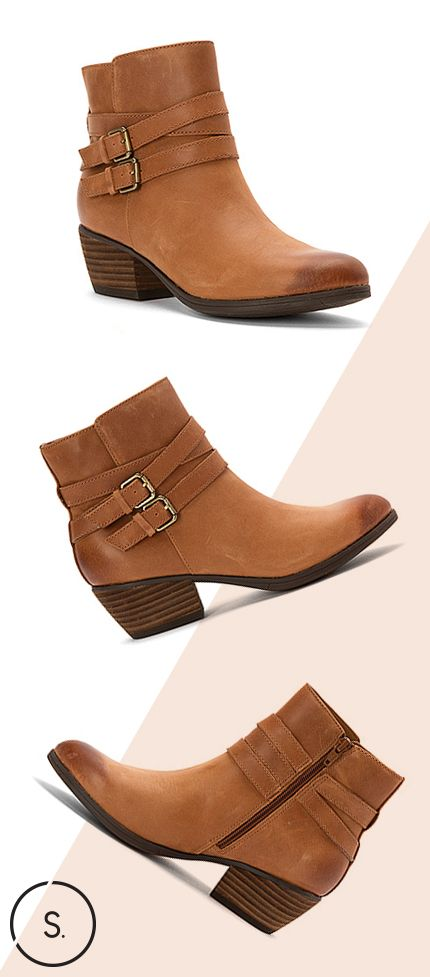 Gain a confident staple for your wardrobe in the Clarks Gelata Fresca. Get FREE SHIPPING on your pair today!