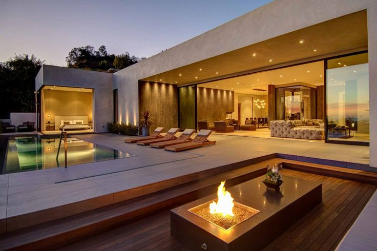 This stunning home is located in Los Angeles, California, and was designed jointly by La Kaza and Meridith Baer Home.