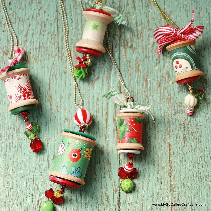 DIY Holiday Spool Necklaces - My So Called Crafty Life