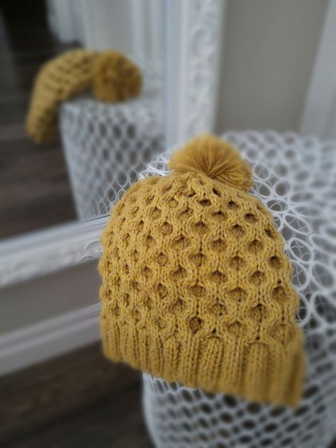Busy Bee – March 29, 2016 | http://www.yycknits.com/blog/busy-bee-march-29-2016