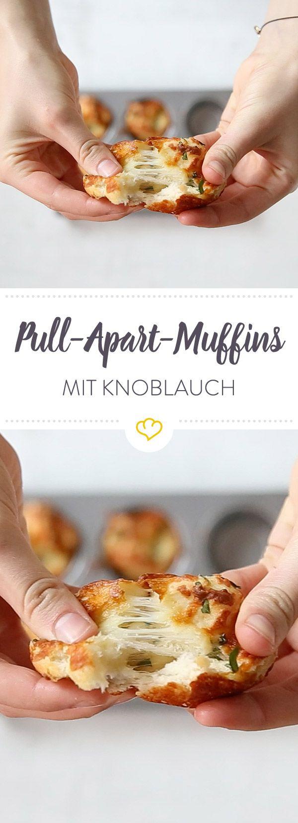 Im Sommer genauso gut wie im Winter - Pull-Apart-Knoblauch-Muffins. Dank Sonntagsbrötchen in Windeseile gebacken und mindestens genauso schnell verputzt.