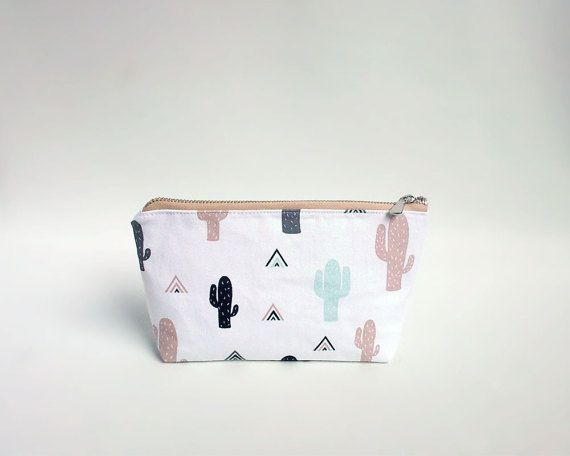 Cactus pouch / Zipper pouch with cactus print / Pencil pouch with YKK metal zipper / Cactus fabric pencil case / Trousse