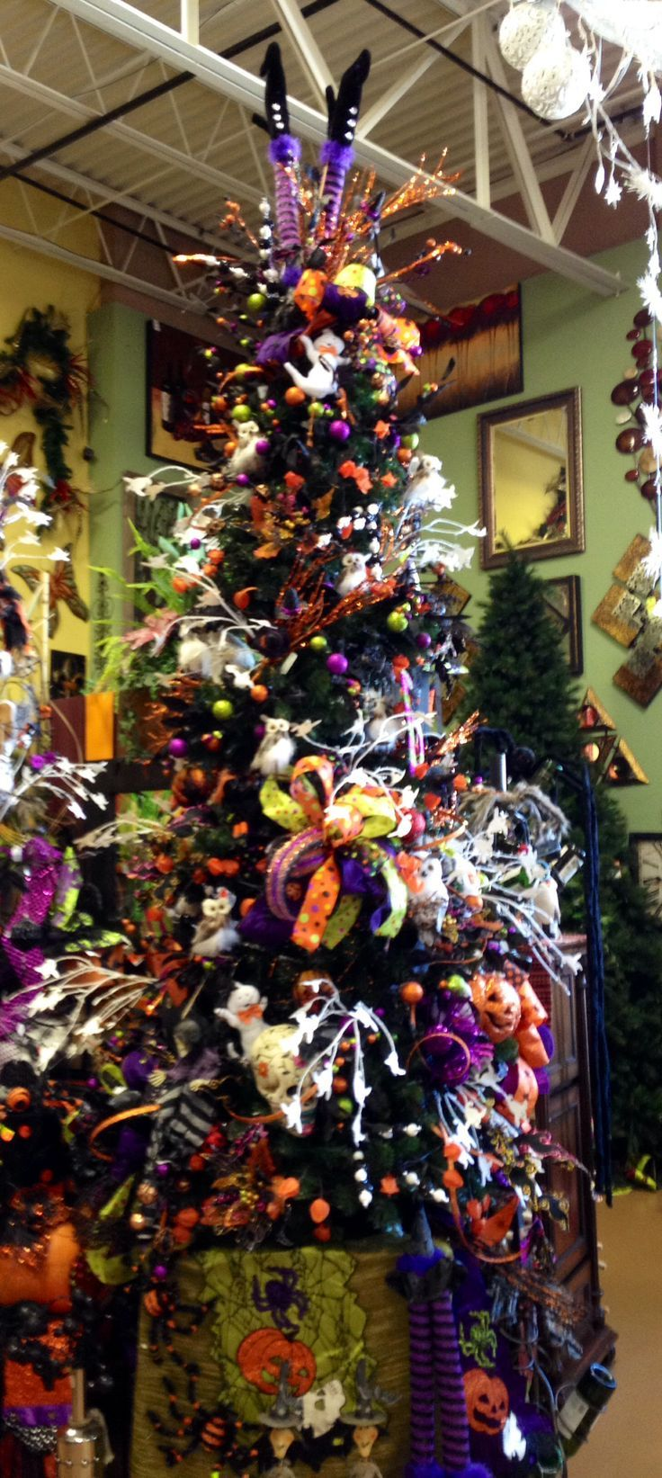 155 best images about halloween trees and ornaments on - Decoration d halloween ...
