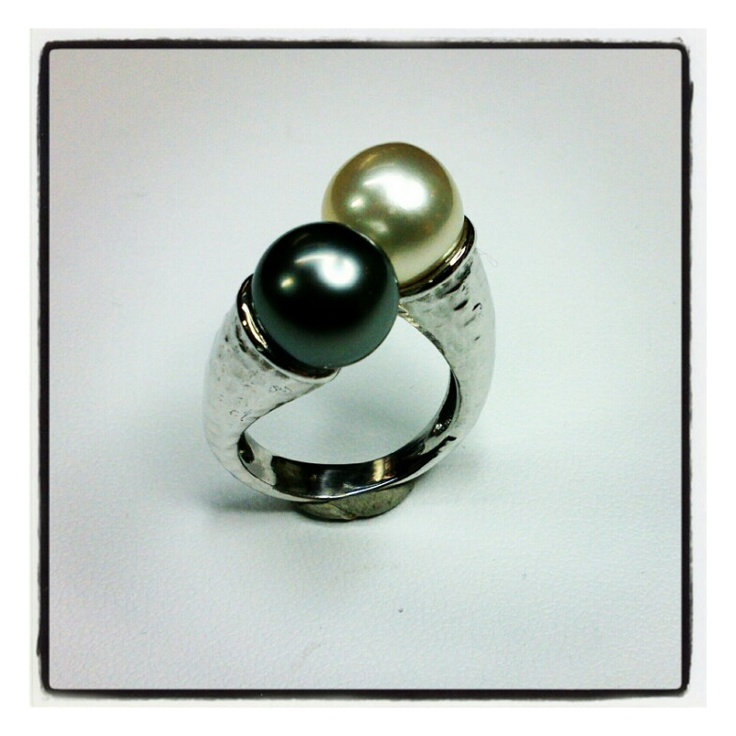 18kt hammered white gold with south sea pearls from Australia and Tahiti, handmade by Paolo Brunicardi goldsmith in Tuscany, Italy, since 1991