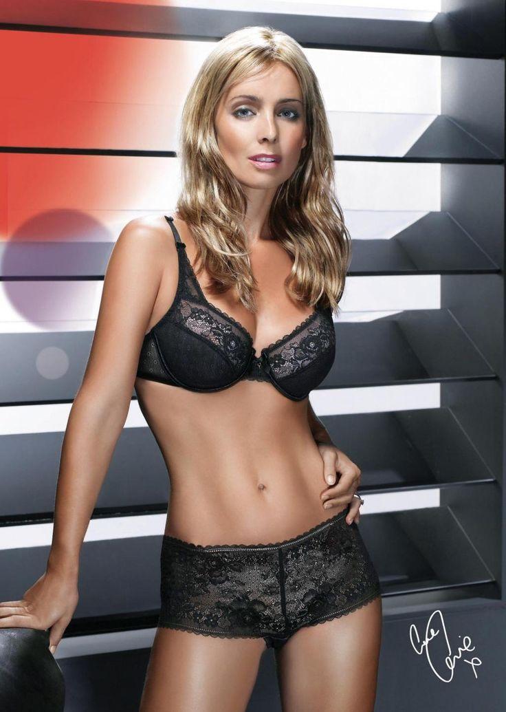 louise-redknapp-white-black-lingerie-triumph-lingerie-ads-louise-triumph-triumph-770552404.jpg (1024×1440)