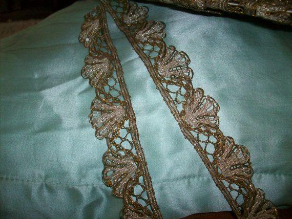 garniture en métal antique français or foncé et par TextileArtLace