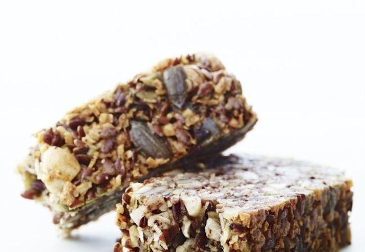 I FORMs flat mage-brød er uten mel (lavkarbo, glutenfri) og spekket med nydelige frø og nøtter.