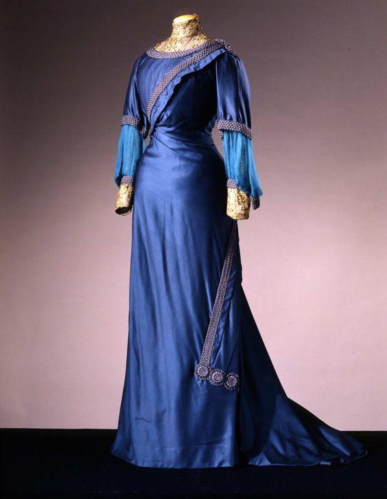 Day dress, ca. 1910, wool & silk, Galleria del Costume di Palazzo Pitti via Europeana Fashion, 00000335