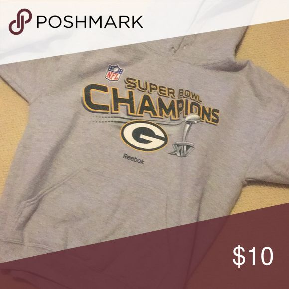 Packers Hoodie Packers hoodie good condition Reebok Tops Sweatshirts & Hoodies