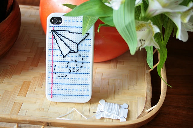 embroidered iPhone case (cross stitch)