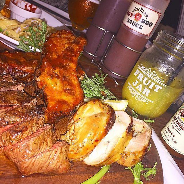 . アメリカンな感じ🇺🇸でめっちゃ美味しかったの💭💭 . . 食べ物投稿は初だ💗 . #肉#美味しい#アメリカン#名古屋#dinner#写真好きな人と繋がりたい #栄#夜ご飯#ステーキ#gopro #ほしい#goproのある生活 #したい#料理#旅行#行きたい#食べるの好き #チキン#名古屋カフェ #cafe巡り #お洒落好きな人と繋がりたい #貯金#頑張ろう#女子力#タビジョ#夏休み#買い物 #服欲しい#ジャー