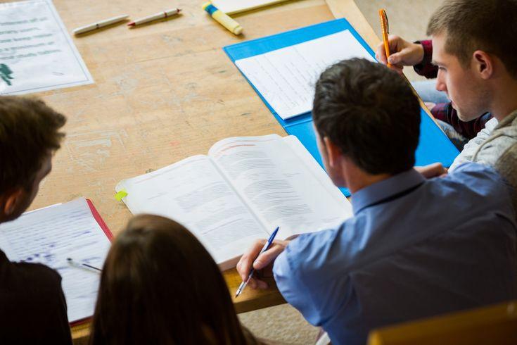Apprendre à lire… au Cégep! Comment aider les étudiants à lire un texte disciplinaire?