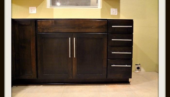 Shaker black walnut stained alder cabinets kitchen for Alder shaker kitchen cabinets