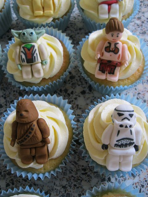 For my boys...Lego Star Wars cupccakes!