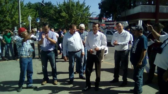 Nulo poder de convocatoria de diputados de Poza Rica. - http://www.esnoticiaveracruz.com/nulo-poder-de-convocatoria-de-diputados-de-poza-rica/