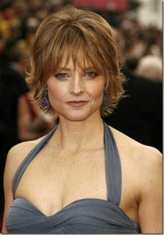 jodie foster haircut | jodie-foster-academy-awards-straight-short-layered-hairstyle