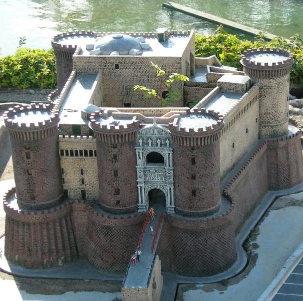 Castel Nuovo, meglio noto come Maschio Angioino, Napoli, Italy. 40°50′18.24″N 14°15′09.61″E