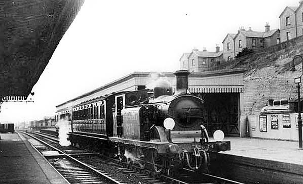 Disused Stations: St. Leonard's West Marina Station