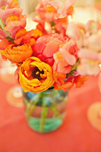 florals, love the warmth in this pic <3: Ideas Wedding, Beautiful Colors, Wedding Flowers, Art Colors, Florals Wedding Ideas, Centerpiece Colors, Pink, Orange Flowers, Bright Flowers