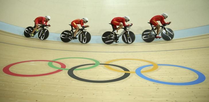 OLYMPICS-RIO-TRACK 2016 Rio Olympics - Cycling Track - Preliminary - Team training - Rio Olympic Velodrome - Rio de Janeiro, Brazil - 09/08/2016. China's (CHN) men's team during a practice session. REUTERS/Matthew Childs