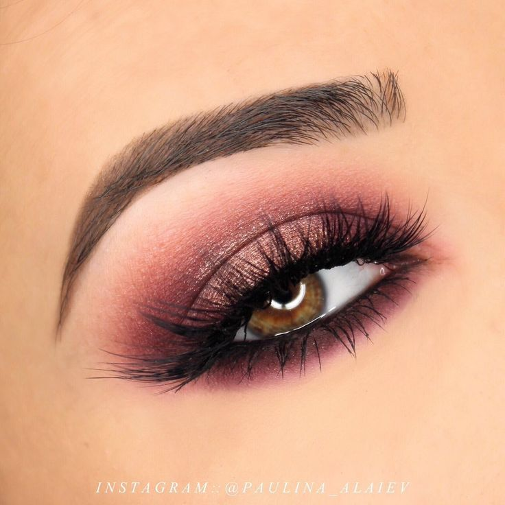 Makeup Geek Eyeshadows in Aphrodite, Frappe, Luna and Mars + Manny MUA x Makeup Geek Palette. Look by: Paulina Alaiev