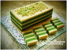 DapurKu SaYang: Kek Lapis Evergreen (Kukus)