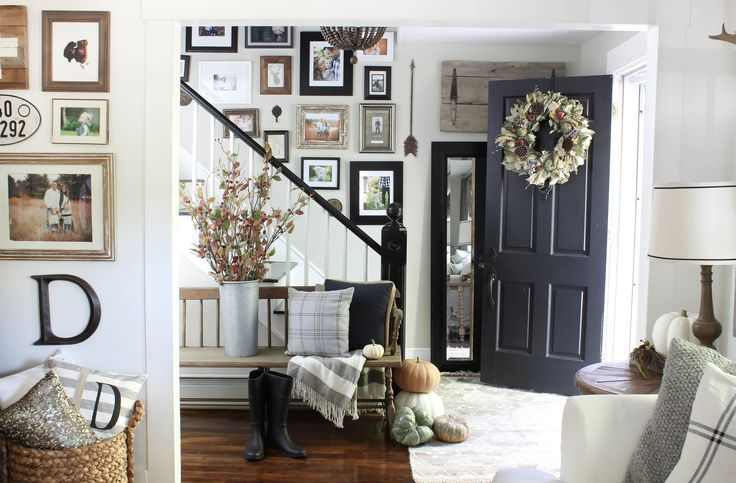 Welcoming Fall Entryway - Rooms For Rent blog