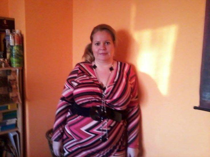 Dundi Angyalon is jól áll az egyik ruhánk. http://dundiangyal.cafeblog.hu/2015/02/15/internetrol-rendeltem-duci-rucit/