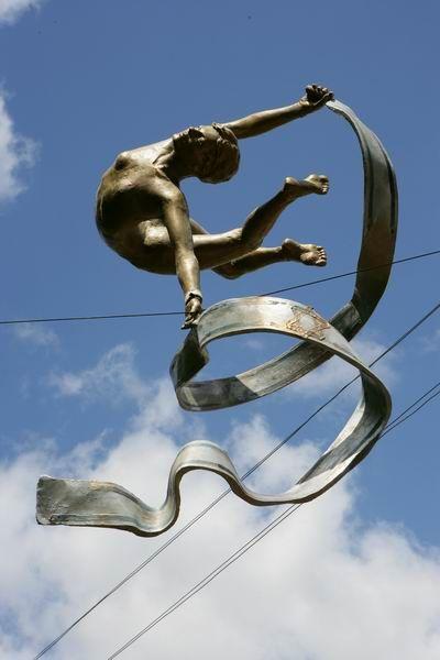 Скульптуры в воздухе от Jerzy Kedziora — фото 15