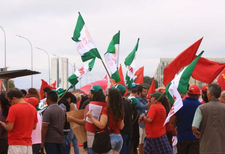 Ao menos 16 capitais fazem protestos contra Temer neste domingo (21)