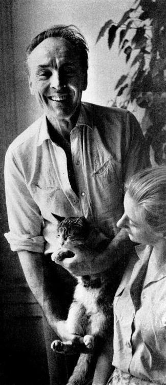 George Balanchine ( chorégraphe, danseur, acteur et réalisateur russe d'origine géorgienne né à Saint-Pétersbourg le 22 janvier 1904 et mort à New York le 30 avril 1983.) et son épouse, Tanaquil Le Clercq première danseuse ( 2 octobre 1929, Paris -  31 décembre 2000, New York)