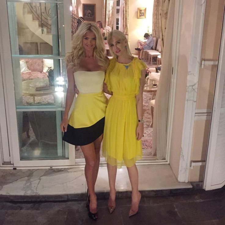"""Victoria Silvstedt Official on Instagram: """"Iranian dinner party where I had the pleasure to meet the """"Queen""""of Iran Farah Diba!!! With my lovely @amandacarolinecronin dress by #davidkoma"""""""