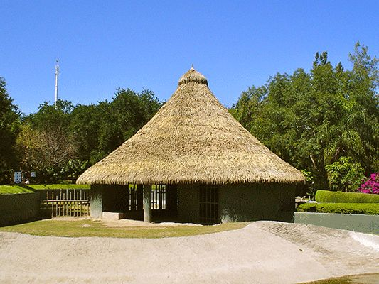 The simply majestic peak of the thatched roof at Leon-Guanajuato