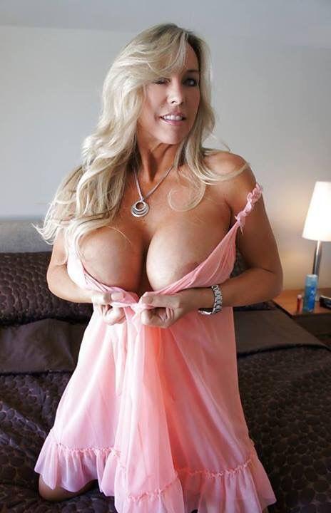 sandra-otterson-nude-full-frontal-sexy-bikini-big-boobs
