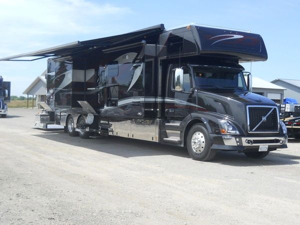 17 Best images about R V's on Pinterest | Buses, Volvo and Luxury rv