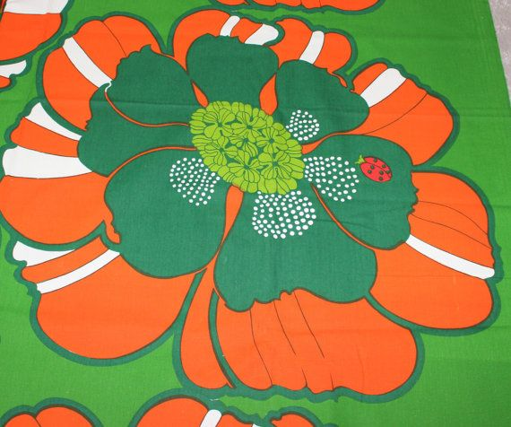 An absolutely adorable design classic fabric. by ThreeCrownsRetro, kr599.00
