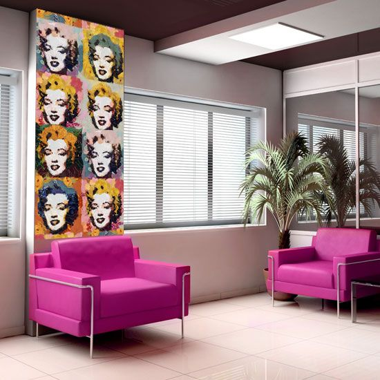 This wall sticker of Marilyn Monroe is perfect for the art fanatic in you