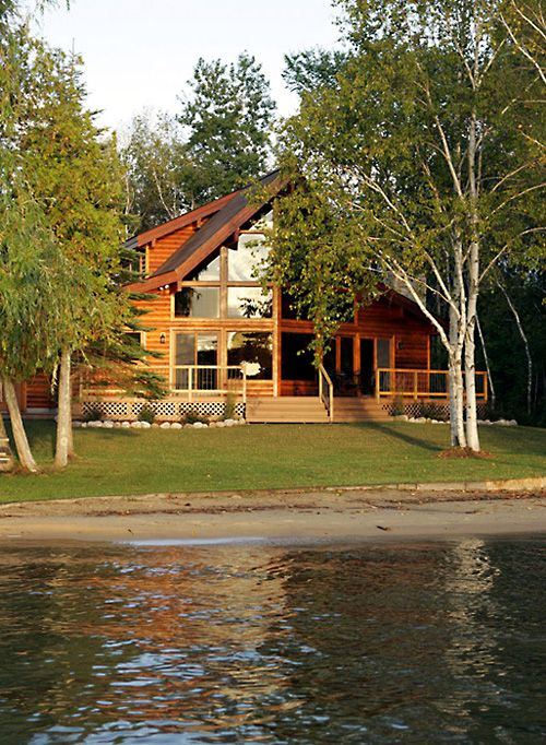 Picture of Summit house number 38817 from Lindal Cedar Homes: worldwide manufacturer of post and beam homes, solid cedar homes, custom log homes, sunrooms and room additions.