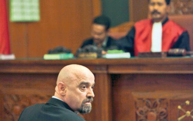 Nicolae Popa, fost director al Gelsor, condamnat in dosarul FNI, are parte de o reducere consistenta a pedepsei, conform noului cod de procedura penala. Astfel, Judecatoria Giurgiu a decis luni reduce