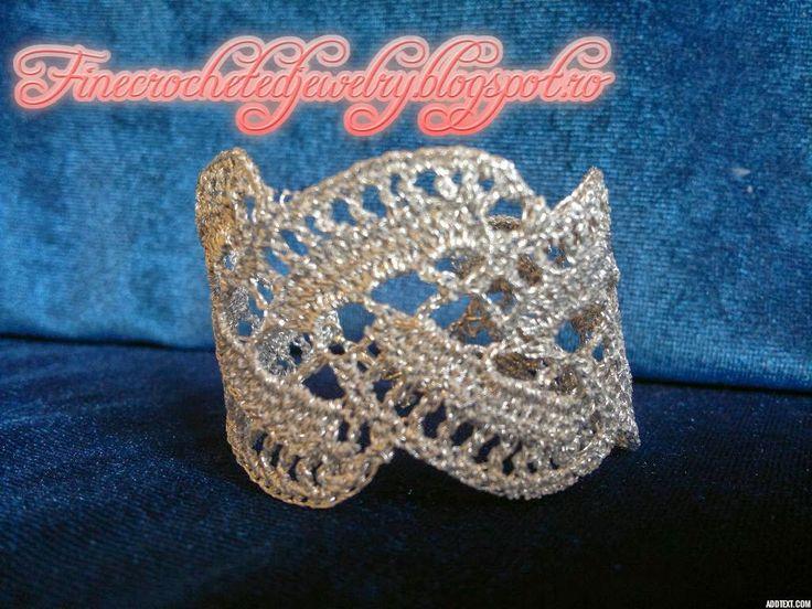 Crochet silvery bracelet