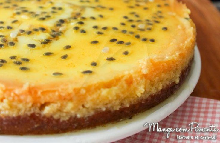 Cheesecake de Maracujá - Receitas de Natal e Ano Novo, para ver a receita, clique na imagem para ir ao Manga com Pimenta.