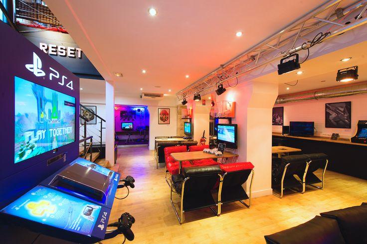 Le RESET Bar, le nouveau bar gaming qui vient d'ouvrir à Paris - http://www.leshommesmodernes.com/reset-bar-paris/