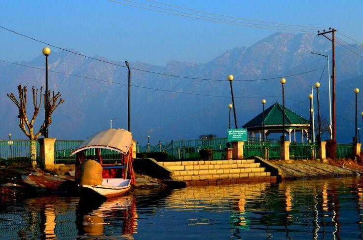 Dal lake , srinagar
