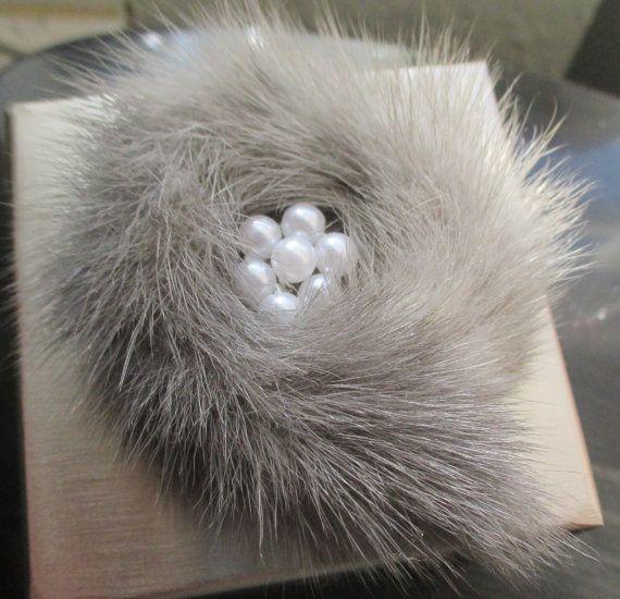 Vintage Gray Mink Fur Brooch by SUNNYIGGYCRAFTS on Etsy