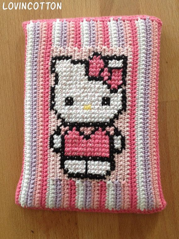Kobo Touch Ereader hoes  Hello Kitty van Lovincotton op Etsy, €15.00