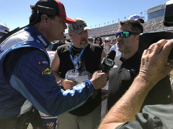 Michael Waltrip, Larry the Cable Guy, and Tony Stewart at the Daytona 500 2017